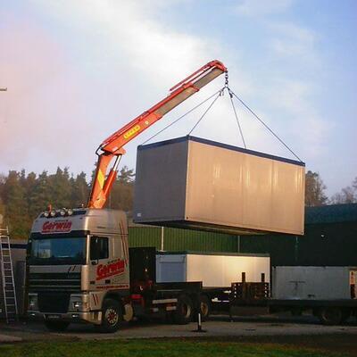 Container am Ladekran